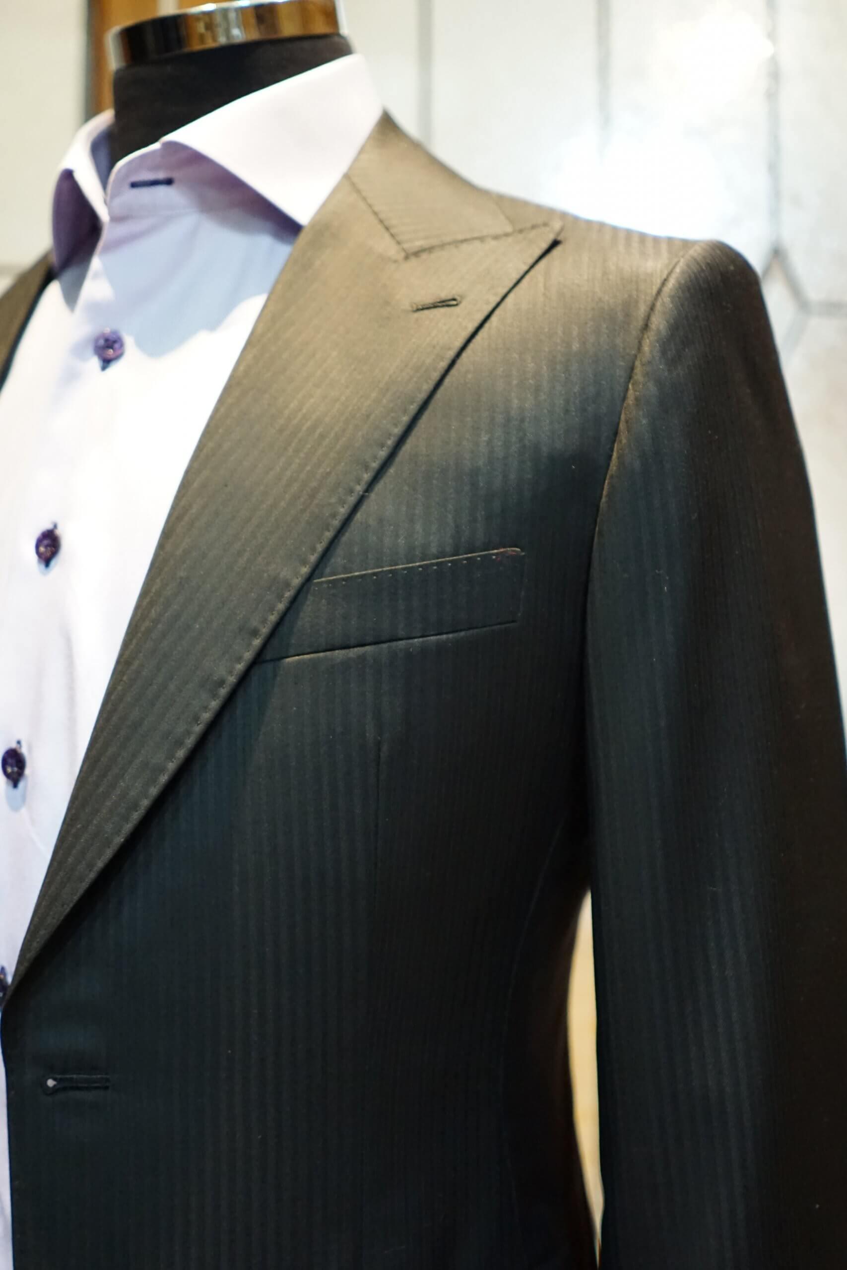 灰條紋西服